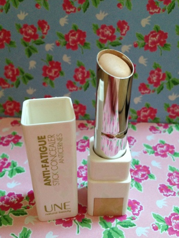 Concealer anti-fatigue Une Beauty_1